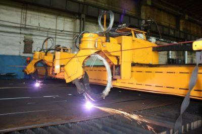 We execute all kinds cutting and beveling. We offer plasma cutting and oxygen cutting. We guarantee high accuracy of detail shape transformation and high quality of cut face.