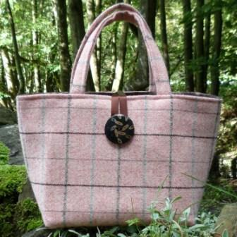 The beautiful Tweed bags are made from sumptuous British Tweeds  and are in all shapes and sizes. The tweeds are sourced from all over the British Isles, including Isle of Mann, Scotland & the North