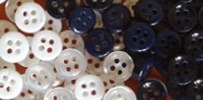 Bottoni in plastica per abbigliamento