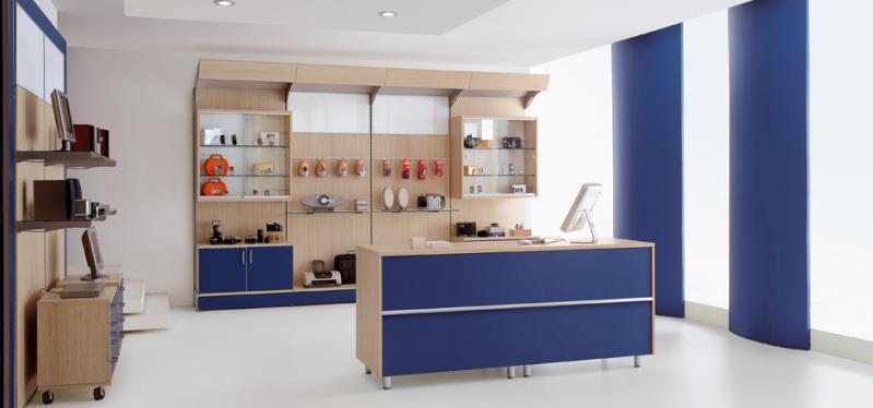 Severi Arredamenti per scaffali e banco negozi di Hi-FI