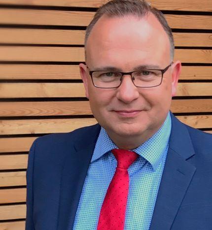 Jens Schmidt, Versicherungsfachmann IHK und Bankkaufmann IHK