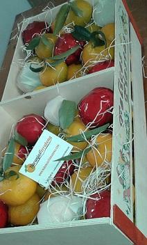 Caja de Navidad de madera de 10 kilos , de naranjas, mandarinas o mixtas. Con motivos navideños y felicitación navideña.