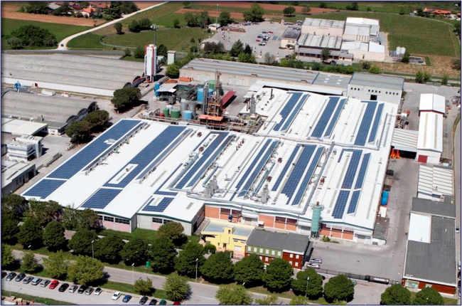 Rimozione amianto e costruzione impianto fotovoltaico su nuova copertura - Nord italia. Potenza impianto 813kW
