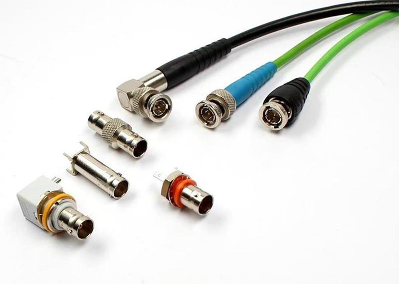 Die feuchtigkeitsdichte Koaxialsteckverbindung BNC 75 Ohm findet in Anlagen und Geräten der Nachrichten- und Messtechnik im Frequenzbereich bis 4 GHz vielfältige Verwendung.