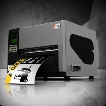 SMS-900, Sistema di etichettatura con cui è possibile creare e stampare etichette e segnali di grande formato come cartelli industriali in formato A4 e oltre. Con lama ' resistente' integrata,