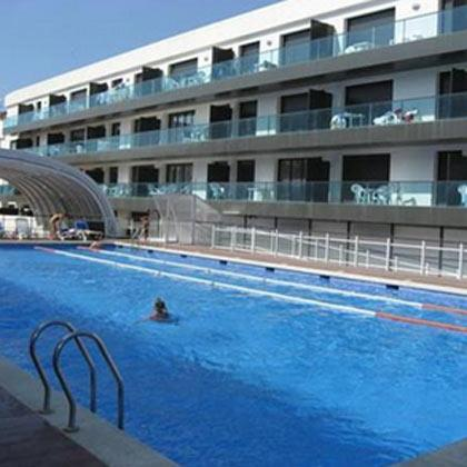 Apartamentos con piscina en alquiler en playa de Palamos, Costa Brava, España. Ven a pasar tus vacaciones en Palamós