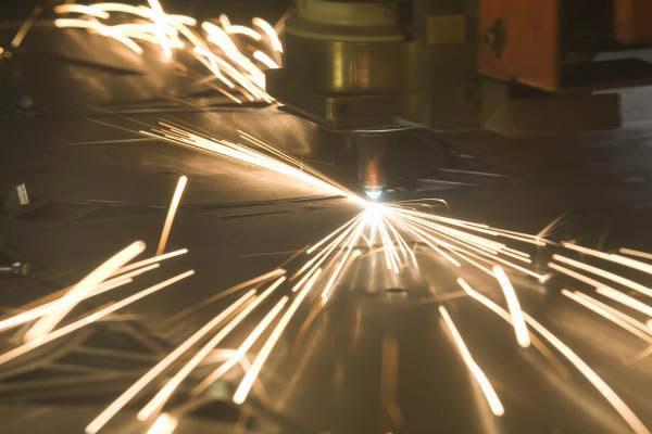 lavorazione taglio laser per fusione azoto