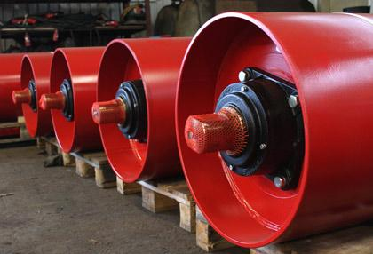 Bend pulleys for conveyor belt systems