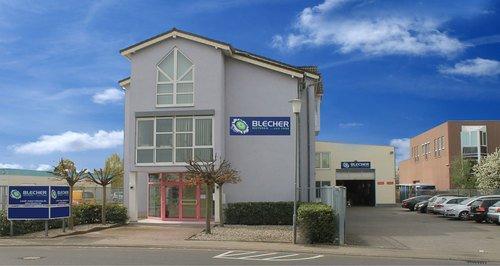 Firmengebäude Blecher