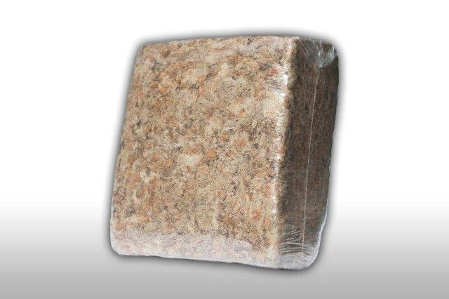 We sell top quality Sphagnum peat moss from Madagascar which I believe is ideal for use with your products. It has excellent water retention and is totally environmentally friendly with a Ph level 4.