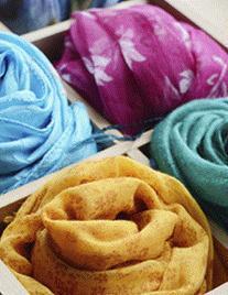Produzione e vendita tessuti per alta moda.