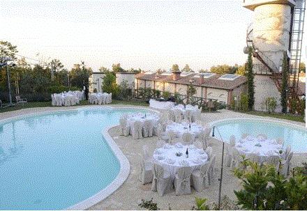 particolare della piscina del'albergo
