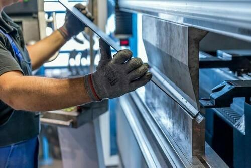 CNC-Abkanten / CNC-Abkantarbeiten