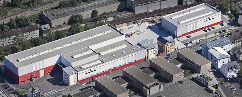 Fertigung und Bürogebäude