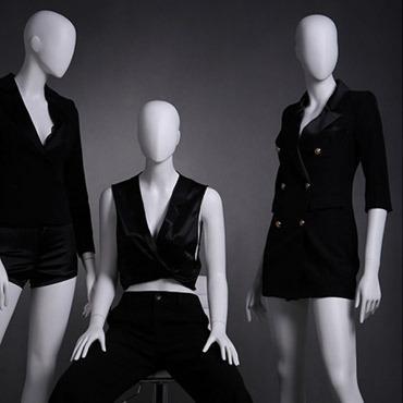 Mannequins d'étalage femme