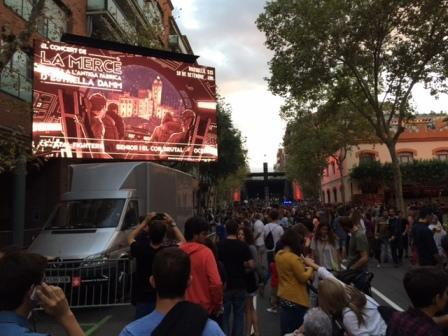 Exit Audiovisuales has been at the Antiga Fàbrica Estrella Damm, within Mercè 2015. Installing a 10mm LED truck of 18 m2, 2 ABSEN 10mm LED Screen and a Mobile Unit to broadcast the shows.