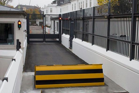 Crash Rated Bi-Folding Gate & Shallow Depth Road Blocker