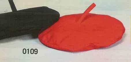 Txapelas en color negro o rojo, o en diferentes colores y con el nombre de su equipo o su empresa