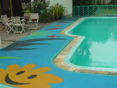 We were asked to brighten up a Private Swimming Pool for a family. They chose a blue base colour and a smiley sunburst as well as an underwater theme with fish and images of plants.