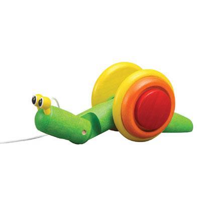 El caracol de madera es un juego recomendado para niños de mas de 3 años  El caracol posee una cuerda para moverlo por el suelo, es un caracol verde brillante y amarillo.