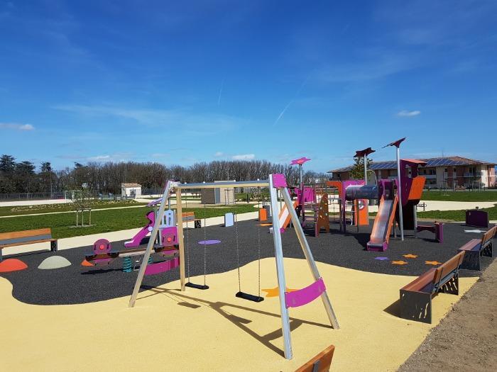 Des solutions complètes pour aires de jeux de plein air