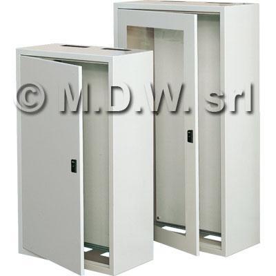 quadri con piastra zincata e barra din per interuttori e componentistica http://www.armadi-rack.it/quadri_elettrici/