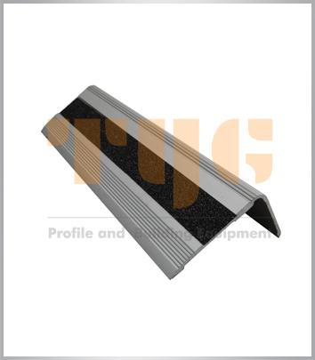 Anodized anti-slip aluminium profile with carborundum insert for stair cases and stair steps