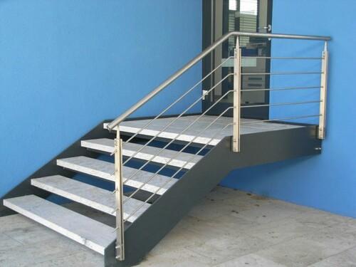 Geländer und Treppe