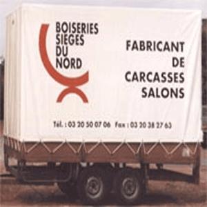Bâches pour tous types de camions avec rideaux coulissants, toitures, bâches de bennes. Marquage, publicité soudée peinte par jet d'encre ou impression numérique. Réparations de bâches sur camions.