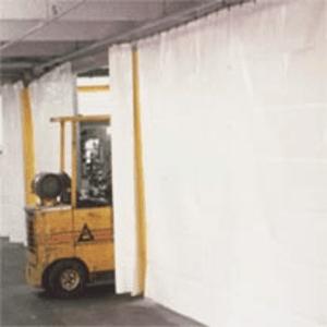 Bâches de cloisonnement : Séparation d'atelier, écran, rideau de soudure, rideau occultant, rideau fixe ou ouvrant, sas souple, tablier de porte rapide. panneaux isolation thermique.
