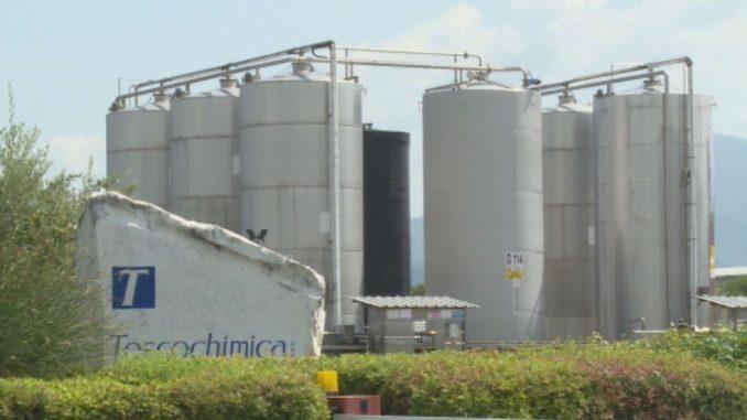 Commercializz prodotti per trattamento di: potabilizzazione, addolcimento e depurazione acque,Fanghi