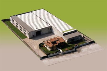 Franzan s.r.l., situata a Zugliano (Vicenza) è nata nel 1970 ed occupa un'area di 2750 mq. di coperto.