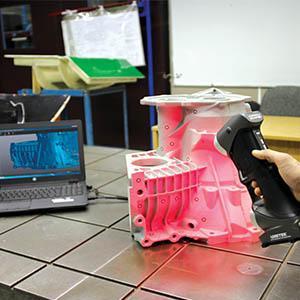 Scanner 3D portatile di alta precisione: HANDYSCAN 3D