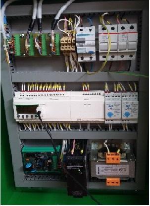Quadro di controllo elettrico / elettronico