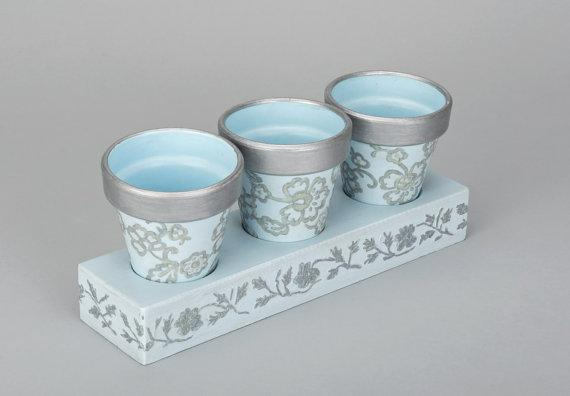 This is a handmade flower pot that can be placed in any part of your home or office to add to the interior decor.
