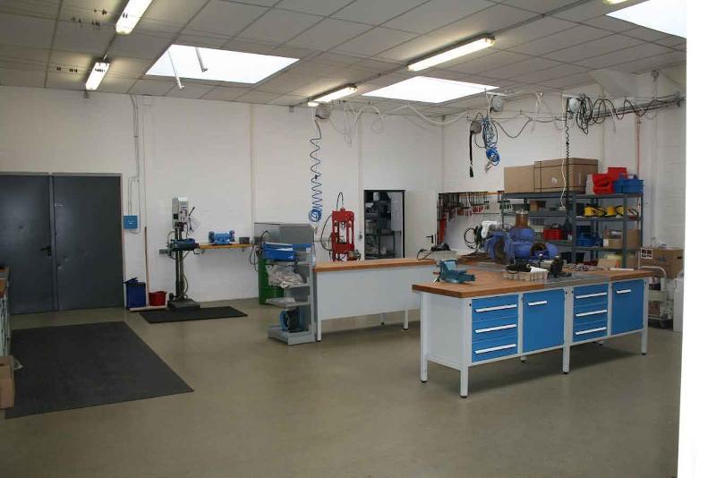 Teilbereich der Werkstatt.