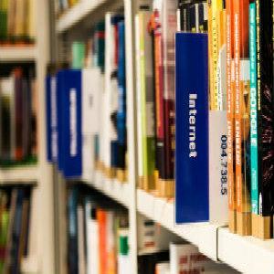 Somos especialistas en servicios lingüísticos. Nos encargamos de que tus escritos y comunicaciones alcancen excelencia cualitativa. Que estén bien elaborados y presenten la mejor imagen de tu empresa.