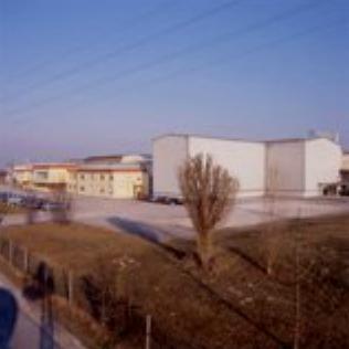 L'azienda vinicola La Marca prende il nome dall'area stessa in cui operano i soci, 8.000 ettari di vigneto tra pianura e collina