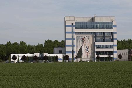 Tous nos laboratoires sont regroupés sur un seul site, à Donstiennes (Thuin, Belgique)