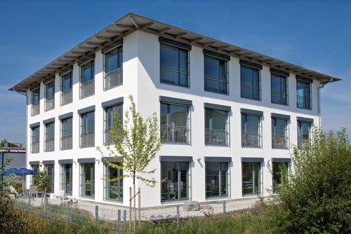 Produktions-/Bürogebäude