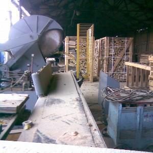 Автоматический дровокол, производительность 8 м.куб. за 8 часов.