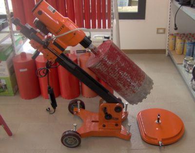 Carotatrici manuali e con cavalletto fino a cm. 1500 di diametro.Ampio magazzino foretti diamantati a secco e ad acqua