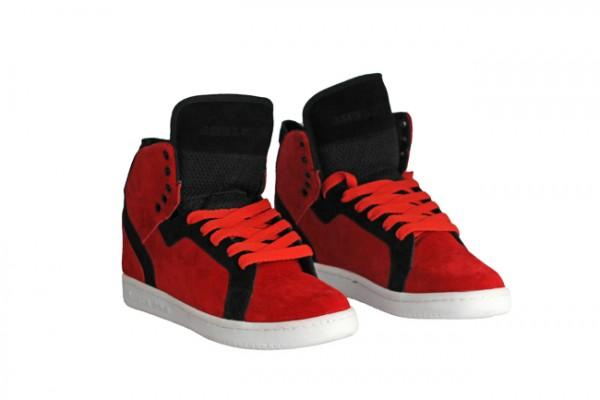 Availability: In Stock Sizes: 36, 37, 38, 39, 40, 41, 42, 43, 44, 45, Material: suede exterior; lined interior; : Padded tongue; Metal eyelets for laces in the holes: rubber outsole.