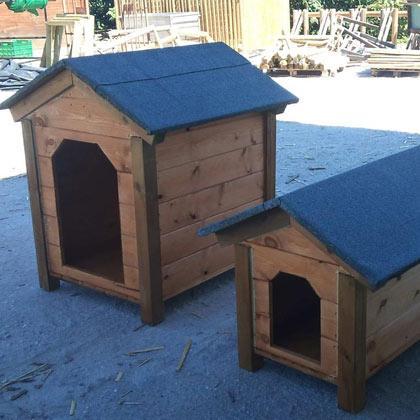 Caseta de perro de madera