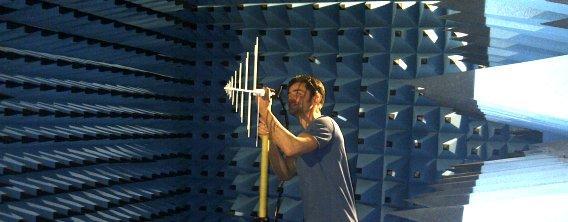 Wir entwicken Antennen für verschiedenste Anwendungen, von der Simulation bis hin zur Messung der Abstrahleigenschaften.