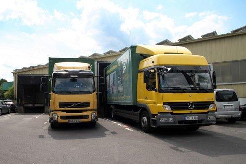 Fahrzeuge für Auslieferung