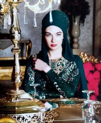 C'est la rêve de toute femme d'être éblouissante  lors d'une soirée Et pour vous satisfaire, nous vous présentons une jolie et magnifique collection de Robe De Soirée Pour Femme voilée.