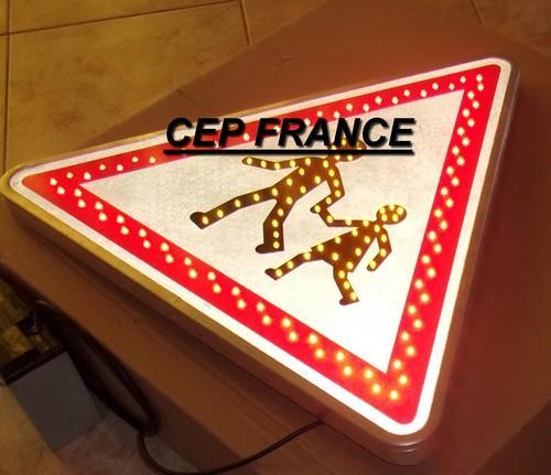 Panneau renforcé LED