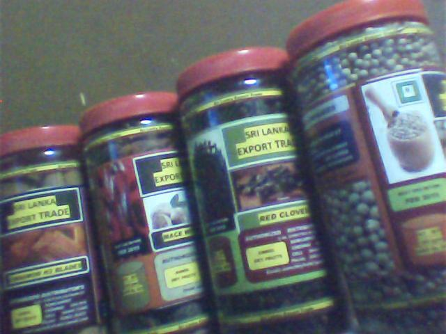 Black Pepper 350 gms, white Pepper 350 gms,Red Cloves 250 gms, Mace with Nutmeg 200 gms and Cinnamon 150 gms