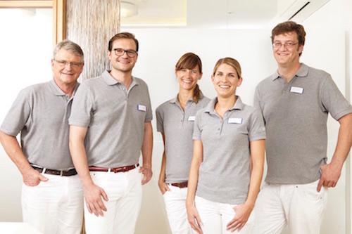 Das Bild zeigt die Zahnärzte des zahnärzthaus ROT in Stuttgart